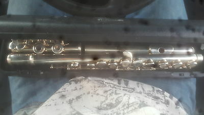 Yamaha Flute - YFL-371 - Intermediate Model - Fully Serviced - Excellent Cond.