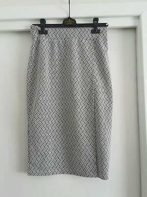 Temt black and white pencil skirt
