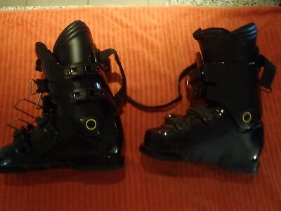 STROLZ SKI BOOTS AND BAG .KIDS SIZE LARGE , MADE IN AUSTRIA .289mm