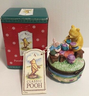 """Disney Classic Pooh """"POOH AND PIGLET"""" Porcelain Hinged Box EUC with Box"""