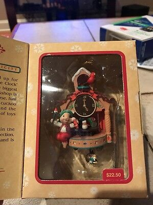 Enesco Christmas Ornament: Workin' Round The Clock Mouse In Cuckoo Clock New