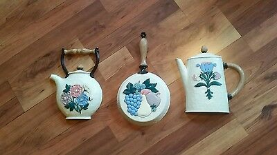 Home Interiors Homco Set Of 3 1995 Teapot, Coffee Pot, Pan Wall Plaques-#3311
