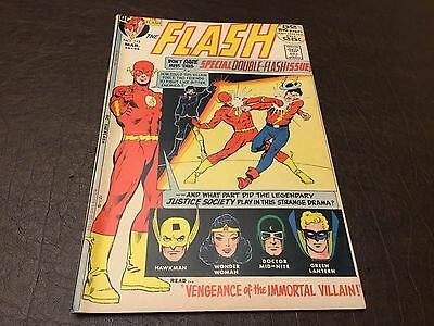 The Flash #213 FN/VF to VF-