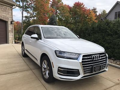 2017 Audi Q7 Premium plus 2017 Audi Q7 with Virtual Cockpit, perfect condition