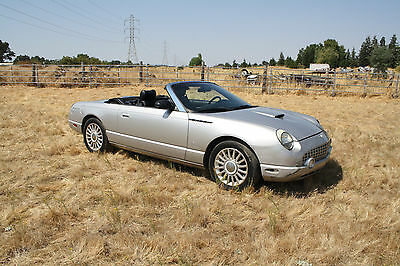 2004 Ford Thunderbird *LOW RESERVE 2004 FORD THUNDERBIRD ONLY 59K MILES, WRECKED, DAMAGED, REBUILDABLE, SALVAGE