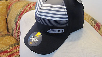 NEW Black & White  Youth Under Armour S/M Baseball Cap