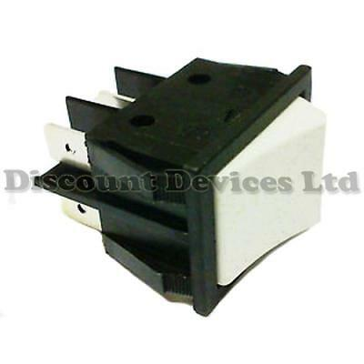 Momentary Rocker Switch On-(On) DPST 2Circuits 16A/250VAC White/Black