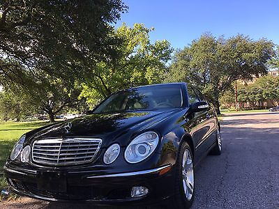 "2003 Mercedes-Benz E-Class E500, Airmatic Dual Control suspension, 17"" Wheels 5.0 liters V8 Engine, Airmatic Dual Control suspension, auto-dimming mirror"