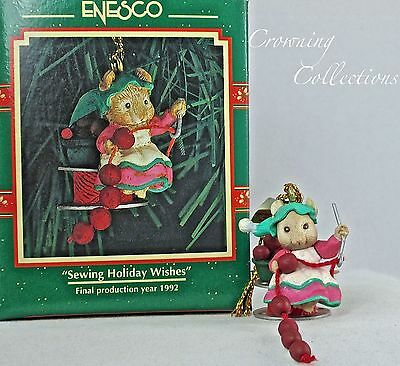 Enesco Sewing Holiday Wishes Small Wonders Ornament Mouse Stringing Miniature