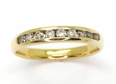 18ct Yellow Gold Nine Diamond 0.27ct Band Ring - Size K 1/2
