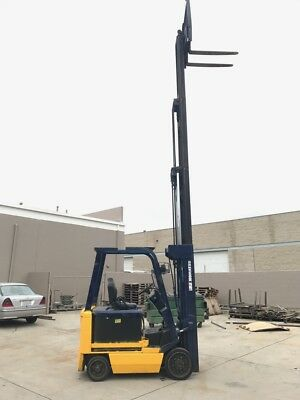 Qty: 2)  Raymond Double Reach Forklift 3000Lb Side Shift 223In Lift Deep Reach