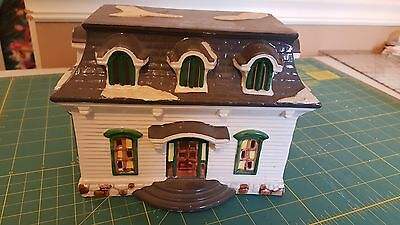 Dept 56 Carriage House 1986 - no cord or light