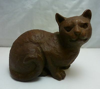 Red Mill Mfg. Sculpted Handcrafted Pecan Shell Cat Figurine