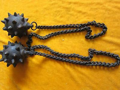 antique    A pair of chain hedgehog hammers in ancient China.