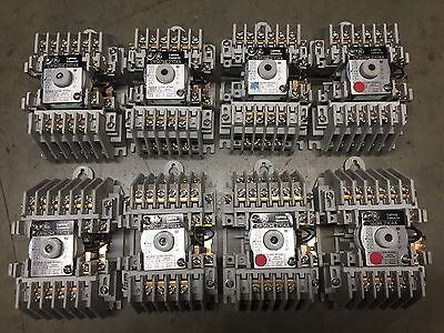 GE LIGHTING CONTACTOR CR360ML210AA 10 Poles 110-120 Volt Coil General Electric