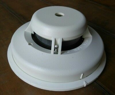 System Sensor 2112/24ATR 4-Wire Smoke & Heat Detector w/sounder and base *used*
