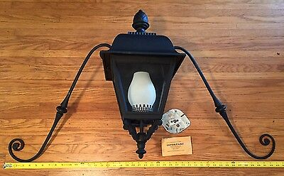 Original Hinkley Lighting Extra Large Cast Outdoor Wall Sconce VGC