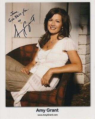 AMY GRANT AUTHENTIC SIGNED 8x10 COLOR PHOTO      BEAUTIFUL SINGER     TO JOHN