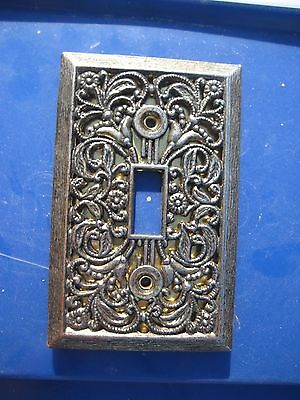 Vintage Old UNMARKED Ornate Metal 1-Gang Toggle Switch Wall Plate
