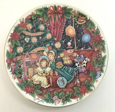Royal Doulton Home For Christmas Plate Jane James 1994 PN37