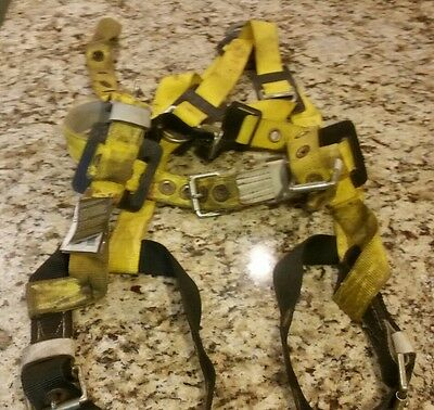 MILLER Full Body Harness 8714-8 Size Medium Fall Protection Harness Pre-owned