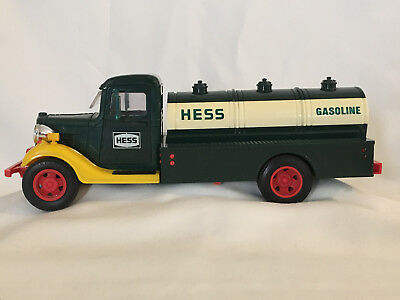 Vintage 1980 First Amerada Hess Truck Gasoline Tanker Truck w/ Red Switch Oil 3