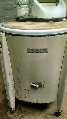 Vintage speed queen wringer washing machine