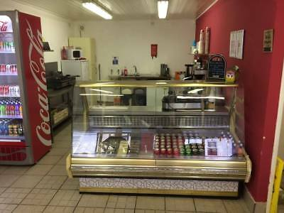 Cafe business under lease in Grimsby (currently not trading) PLUS £875 BACK