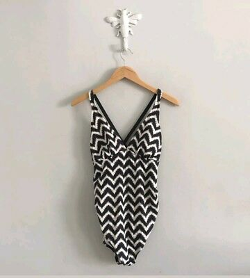 Liz Lange Maternity Sz S Small One Piece Dark Grey Chevron Bathing Suit Swimsuit