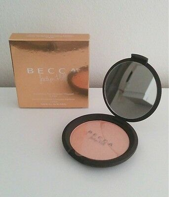 Highlight BECCA X Jaclyn Hill Champagne pop