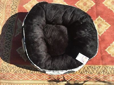 Luxury Unique Warm Indoor Soft Pet Dog Cat Bed + Cushion Dog Cat House Bed