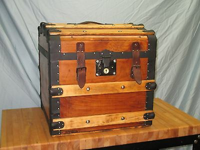 VINTAGE HAT TRUNK - Original Interior Tray - Refinished and cleaned