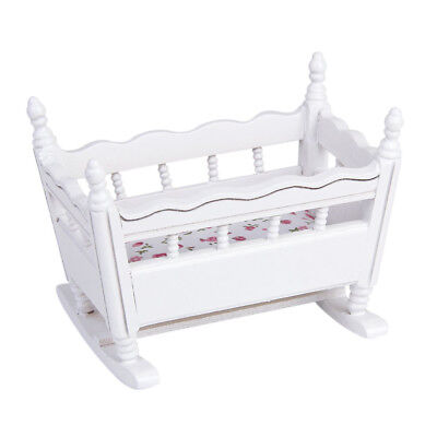 miniatur kinderbett babybett wei holz 1 12 f r puppenhaus neu. Black Bedroom Furniture Sets. Home Design Ideas
