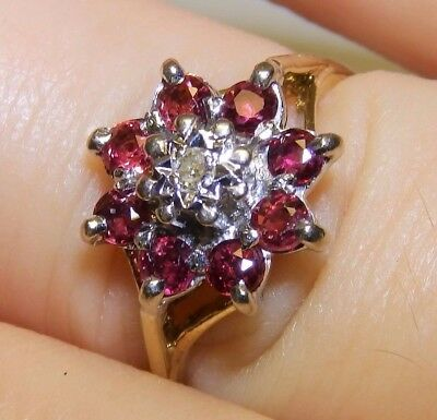 Beautiful Vintage 18Ct Yellow Gold  Ruby & Diamond Cluster Ring