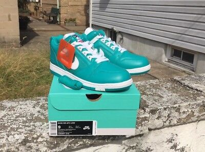 buy online 1cb72 5b998 New Supreme x Nike SB Air Force 2 Low New Emerald White AA0871-313