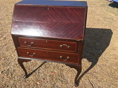 Mahogany veneer bureau with beautiful banding And Cabriole Legs. French Polish
