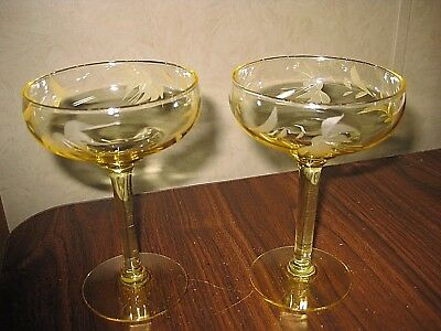 Beautiful Vintage Yellow Crystal Etched Glass Cocktail Glasses - Mint Condition