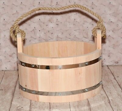 Wooden bucket / Holzeimer Photo prop