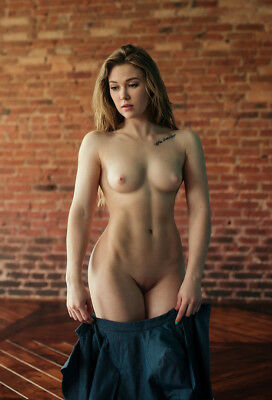 Fine Art the beautiful girl nude model Photograph 4 * 3 inch