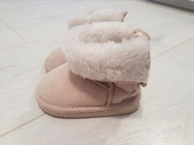 AH&M baby shoes size uk 2-3  6-12months eur.18-19