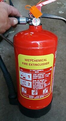 Fire extinguisher 3 litre wet chemical wall bracket fully serviced kitchen fires