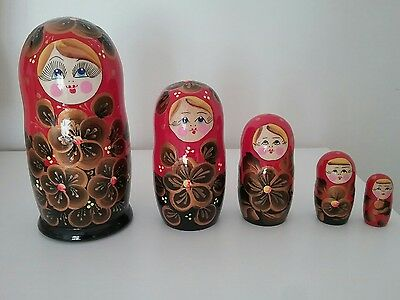 New laquer handpainted 5 russian dolls made in Russia.