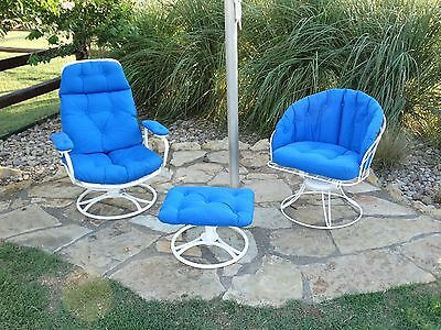 G175 Vintage 3 Piece Homecrest Mid Century Wire Metal Patio Furniture w cushions