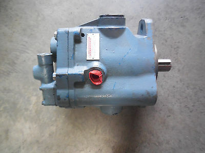 New International Vickers Piston Pump Pvb20Rcg70