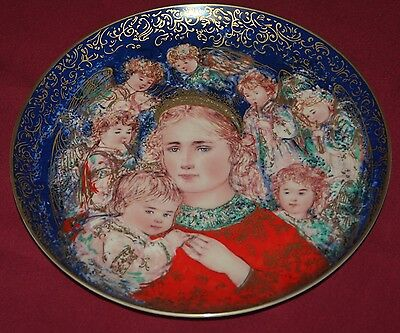 Edna Hibel 'the Angels Message' Decorative Christmas Plate 1985 By Knowles