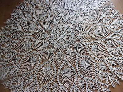 French,Vintage, Hand Crochet Lace, Small Table cloth / Table centre