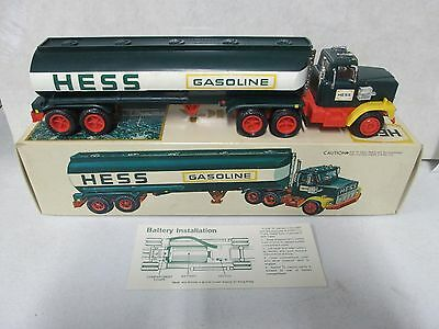 1977 Hess Truck Red Switch w/ Box & Battery Installation Card (2)