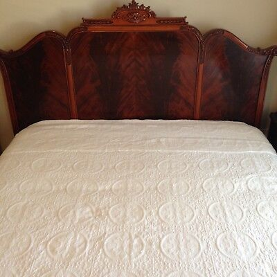 Antique Mahogany Chinese Chippendale Pagoda Bedroom Set