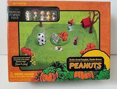 Peanuts Prowling Pumpkin Patch Great Pumpkin Charlie Brown Schulz New 2007