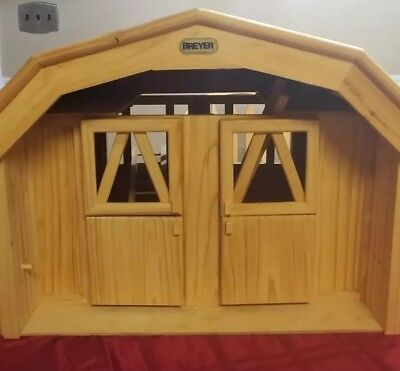 Preowned wooden Breyer  double stall horse barn